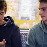 A_demi_mots_Diemo_Kemmesies_film_gay_outplay_ 01
